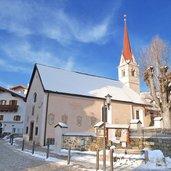 Maria-Hilf-Kirche im Ortskern von Seis