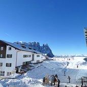 D-0950-seiser-alm-umlaufbahn-bergstation-winter.jpg