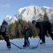 D_RS166385_voelser_weiher_hockey_winter_.jpg